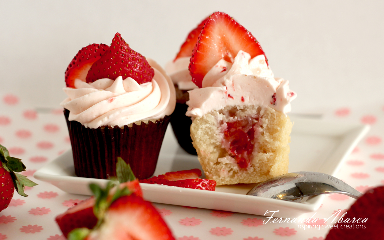 Fernanda Abarca ~ StrawberryCupcakes3
